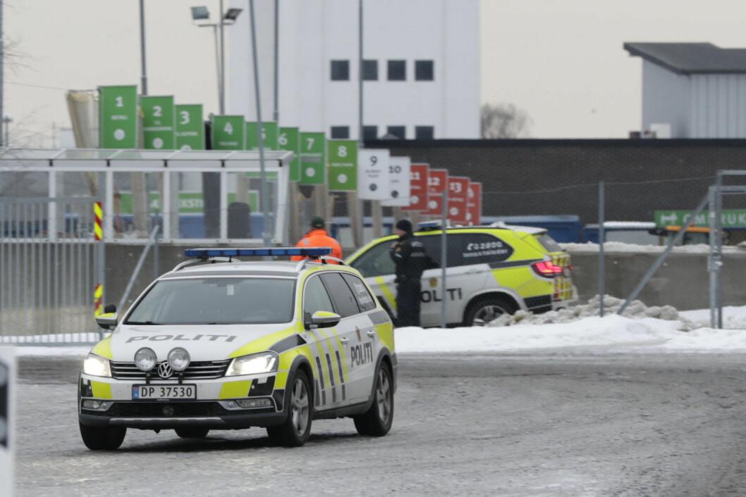 Politiet etablert raskt en sikkerhetssone på 300 meter på Haraldrud gjenbruksstasjon på Brobekk. Foto fra annen hendelse. Illustrsjonsfoto: Berit Roald / NTB scanpix