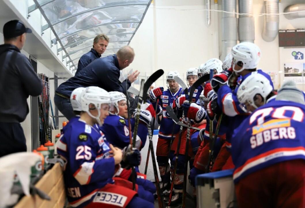 Roy Johansen coachet Vålerenga til seier i sesongens merkeligste kamp så langt. Foto: André Kjernsli
