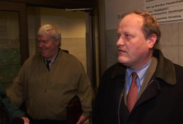 Daværende Oslo Frp-politikere Einar Lonstad (til v.) og Dag Danielsen under striden med moderpartiet. En strid som førte til at fem av Frps bystyrerepresentanter ble uavhengige på begynnelsen av 2000-tallet. Foto: Knut Falch / SCANPIX