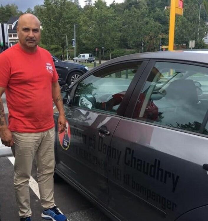 Danny Chaudhry er kjøreskolelærer til daglig. Og sier han ikke får kompensert for tapt arbeidsinntekt dersom bystyrestøtten fjernes. Foto: VårtOslo