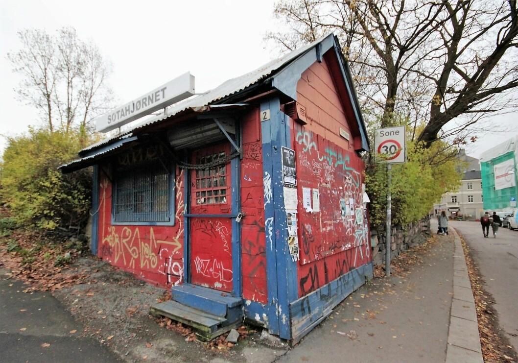 Den legendariske kiosken på Sotahjørnet på Vålerenga ble forsøkt påtent mandag kveld. Foto: André Kjernsli