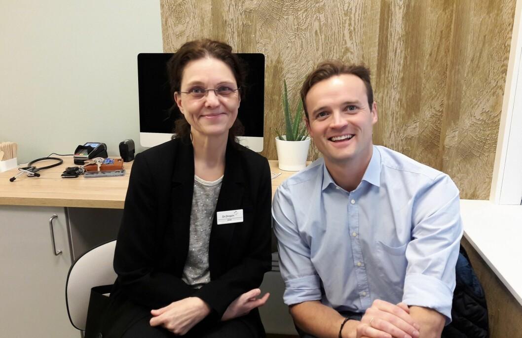 Klinikksjef Nina Bryhn og gründer og lege Daniel Sørli ønsker velkommen til Dr. Dropins nye kontor på Carl Berners plass. Foto: Anders Høiund