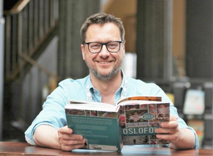 Biblioteksjef Knut Skansen er svært godt fornøyd med at oslofolk bruker byens biblioteker stadig mer. Foto: Kulturetaten