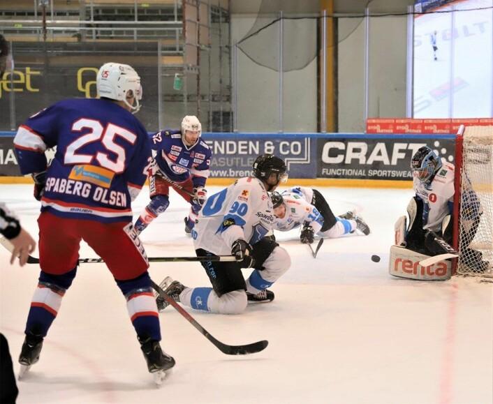 Colin Spaberg Olsen og Filip Gunnarsson mot Narvik. Foto: André Kjernslie