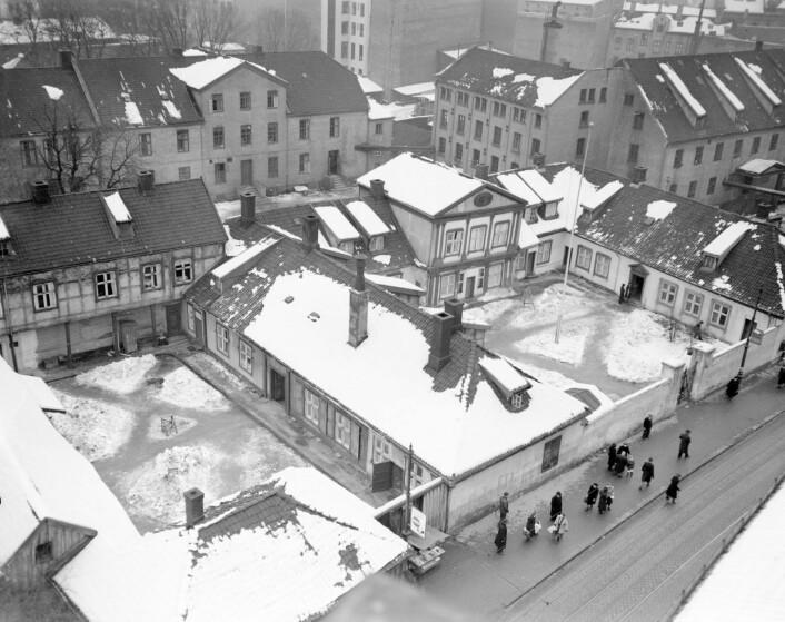 Storgata 36 sett fra luften, januar 1950. Foto: Arbeiderbevegelsens arkiv og bibliotek
