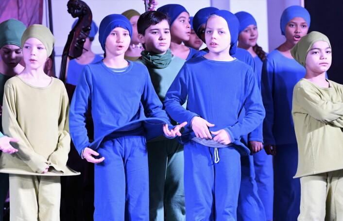 Med stor lærevilje og innlevelse har elevene ved Gamlebyen skole gått til verket med å bli operastjerner. Foto: Christian Boger