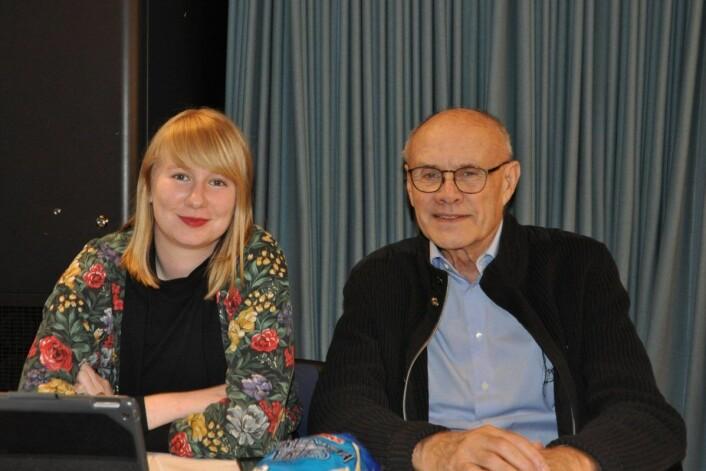 Rødts bydelspolitikere i Gamle Oslo, Katherine Joakimsen og Olaf Svorstøl, kunne koste på seg et smil da Juniorklubben G nå er sikret ett års videre drift. Foto: Arnsten Linstad