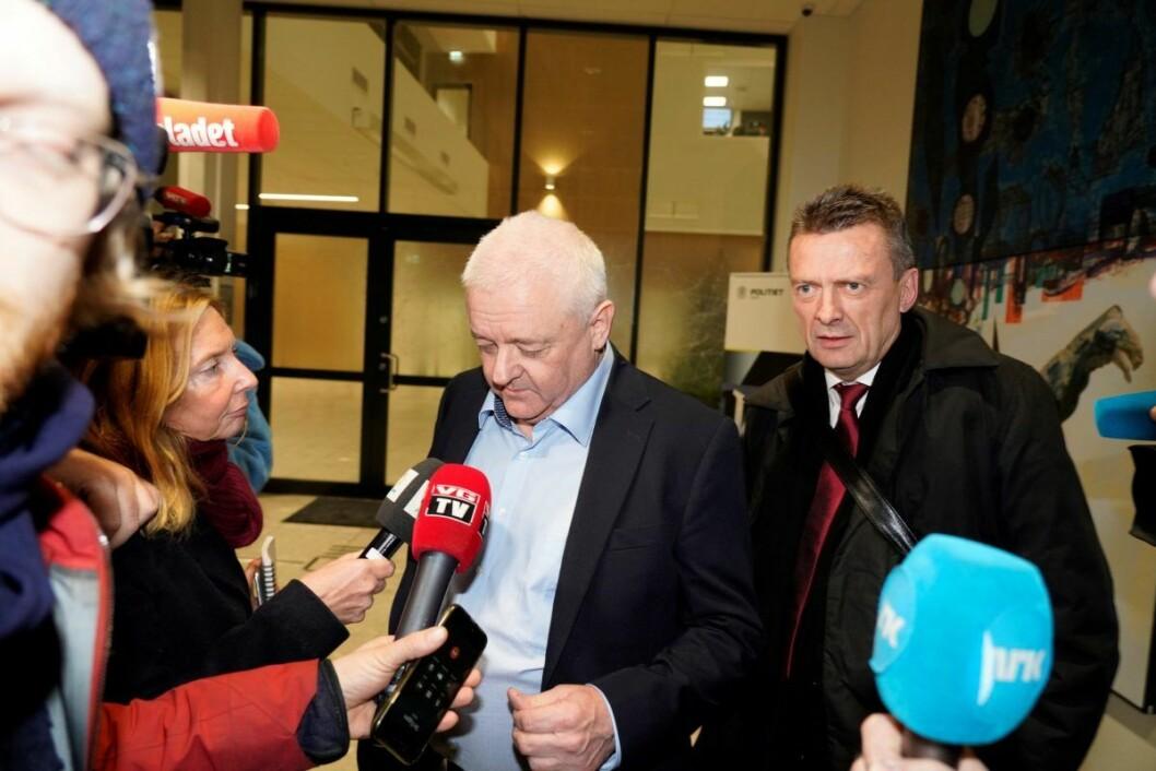 Advokat Brynjulf Risnes (til høyre) og Frode Berg håndterte et enormt mediepress etter løslatelsen fra russisk fengsel. Foto: Fredrik Hagen / NTB scanpix