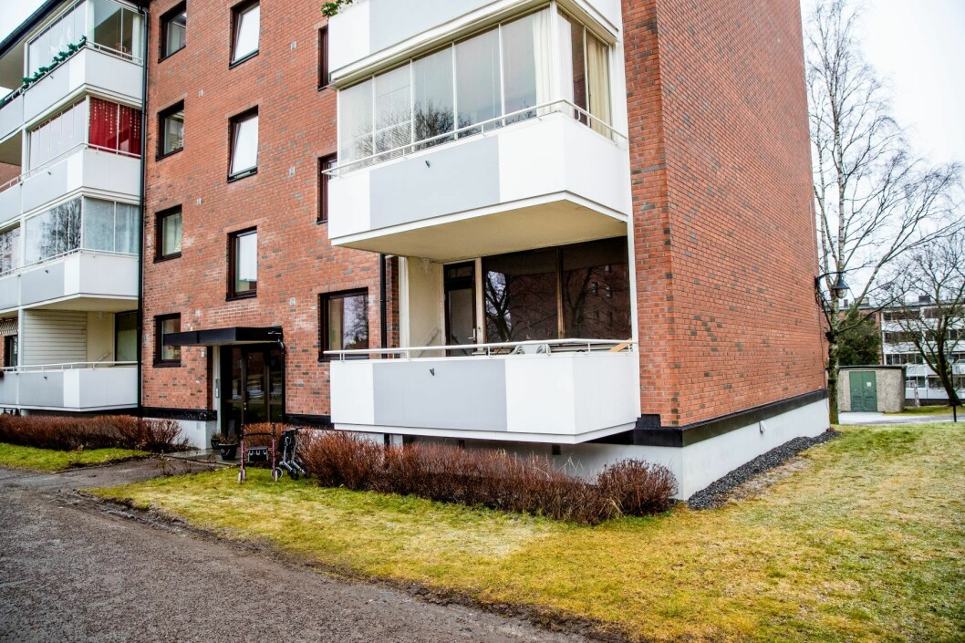En person ble livstruende skadd i en brann i en leilighet på Tveita i Oslo mandag formiddag. Foto: Stian Lysberg Solum / NTB scanpix