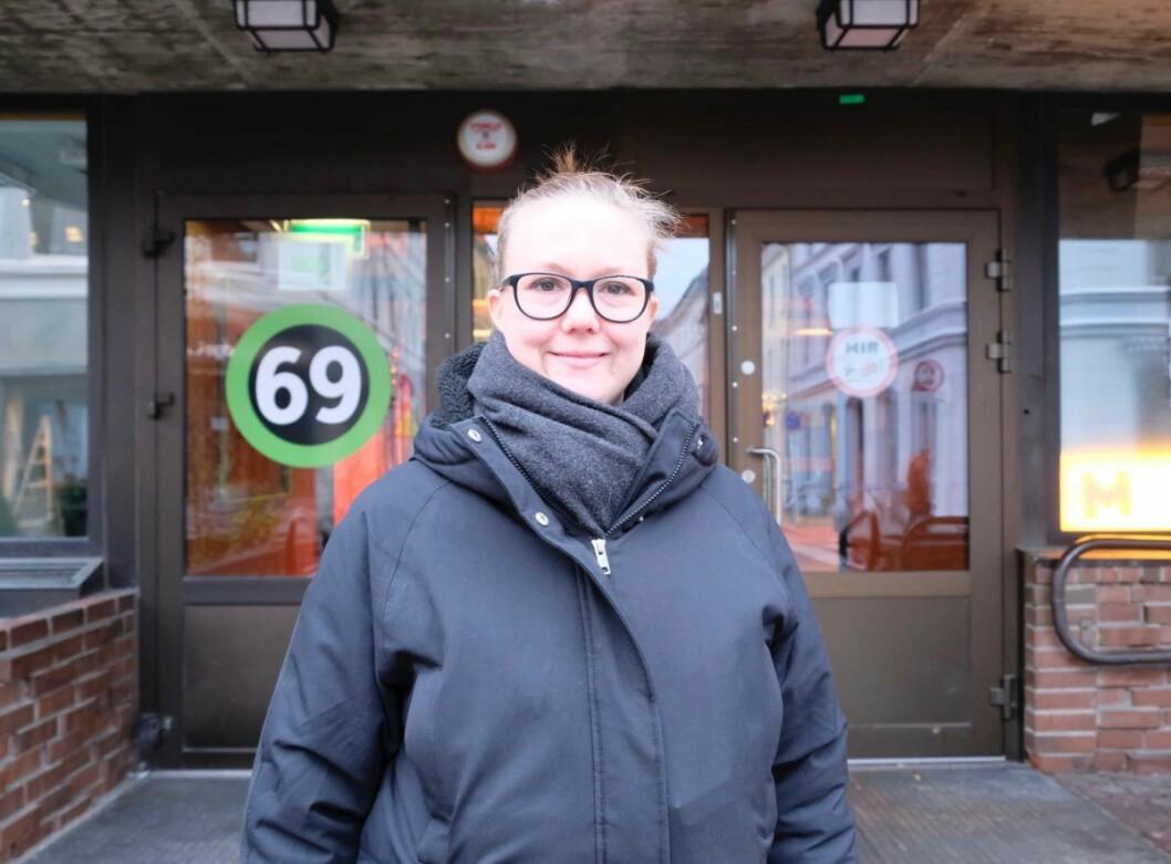 Anja Holmgren, nestleder i Visit Løkka og innehaver av butikken Ask & Embla, mener nedlagte Grünerløkka sykehjem burde omgjøres til en lokal møteplass. Foto: Emilie Pascale