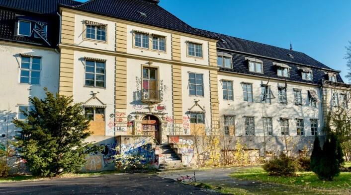 Nedlagte Grünerløkka sykehjem går inn i rekken av flere tomme sykehjem i bydel Grünerløkka. Sammen med Lille Tøyen sykehjem (på bildet) utgjør disse over 11.000 ubrukte kvadratmeter. Foto: Erik Holland Haukebø