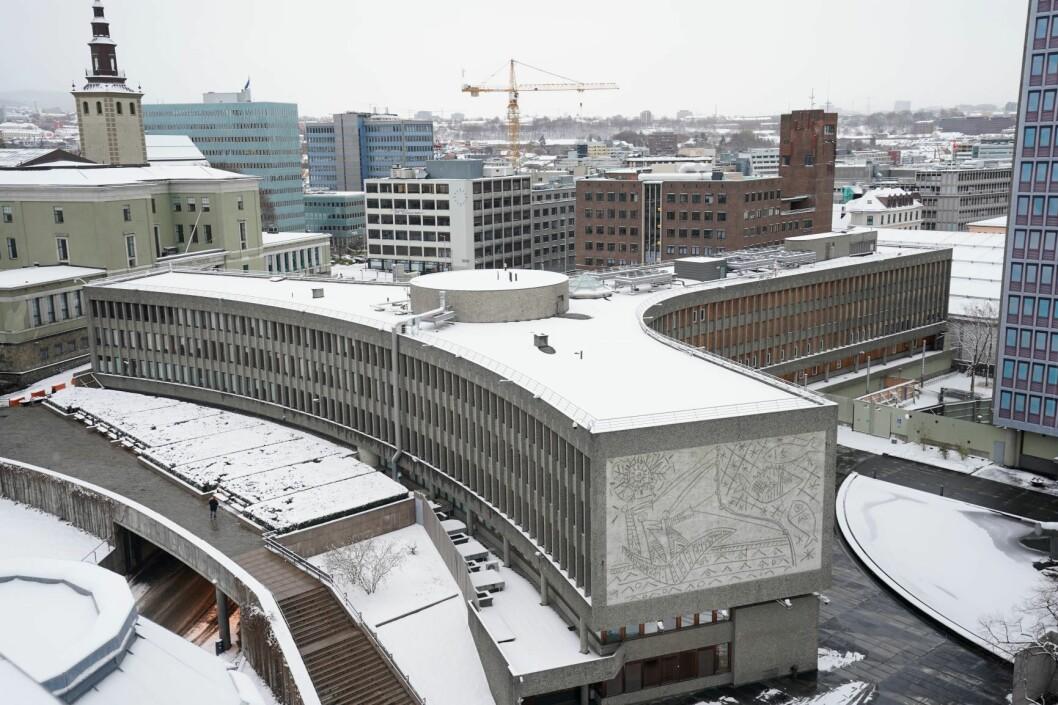Klagene, som har kommet fra Oslo Arkitektforening og Norske arkitekters landsforbund, er dermed ikke tatt til følge. Vedtaket om å rive Y-blokken blir stående. Foto: Heiko Junge / NTB scanpix