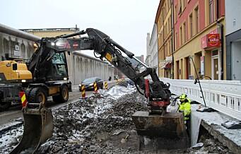 Sykkeltilretteleggingen i Åkebergveien går etter planen. Arbeidene på den ene siden av veien ferdig