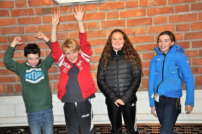 Bolteløkka-elevene Nicolai, Johannes, Rakel og Marte er blant dem som påvirkes av vedtaket om paviljongskole. Foto: Christian Boger