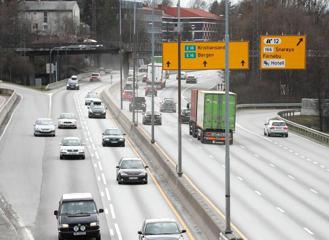 Regjeringen garanterer for finansieringen av utbyggingen av E18, som dermed kan starte om rundt ett år. Foto: Terje Pedersen / NTB scanpix
