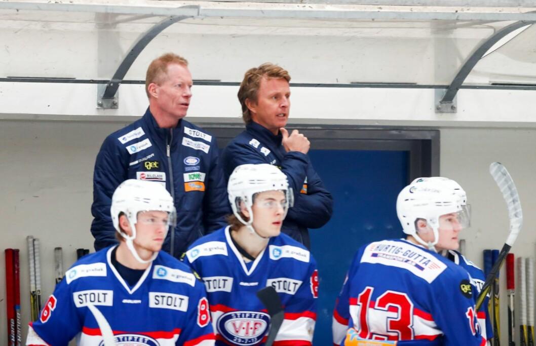 Trenerne Roy Johansen (t. v) og Kjell Espen Knutsen. Foto: Terje Pedersen / NTB scanpix