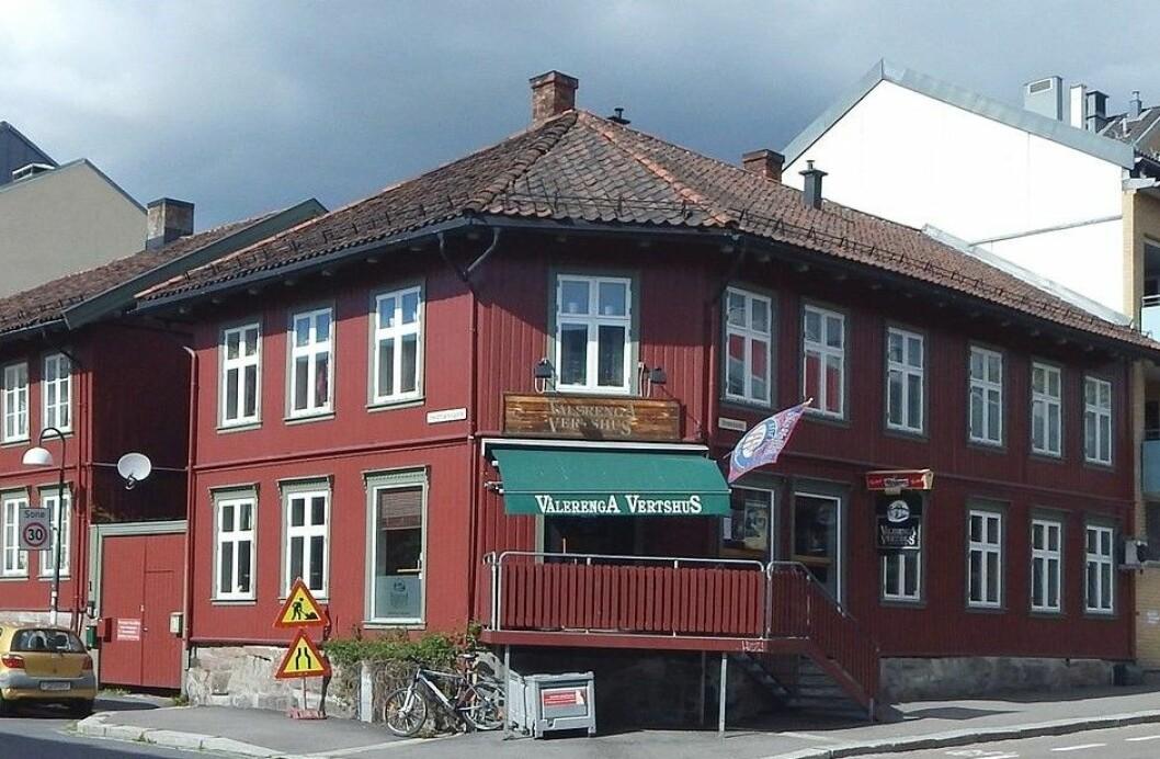 Nå er usikkerheten over for Vålerenga vertshus. Stabile eiere har tatt over. Foto: Jan-Tore Egge / Wikipedia