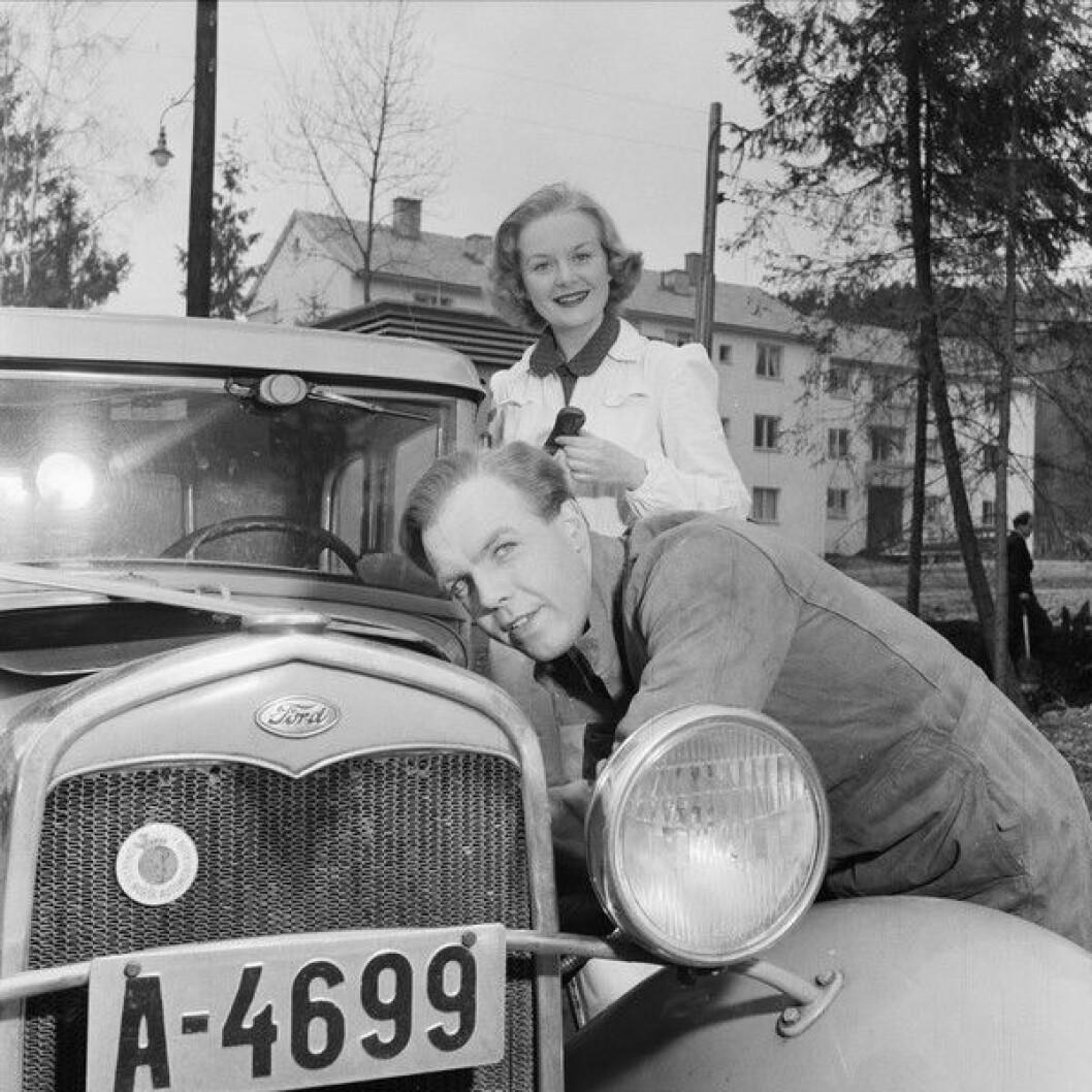 Henki Kolstad har gledet mange barn som Skomaker Andersen i Jul i Skomakergata. Skomaker Andersen figurerer også i årets julequiz fra VårtOslo. Foto: Leif Ørelund/Oslo museum