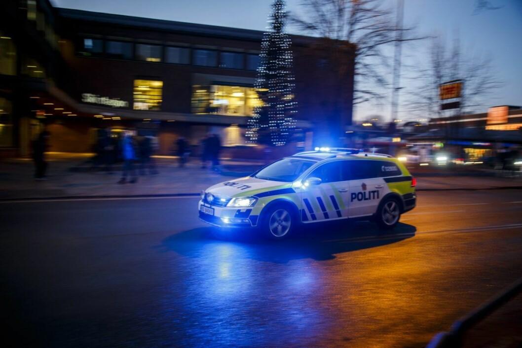 Avsnittsleder i Oslo politidistrikt, Wiktor Furøy, sier mange av patruljene må brukes til arrangementer som er knyttet til Slottet, regjeringen, Stortinget, statsbesøk og demonstrasjoner. Det er de samme politipatruljene som egentlig er satt av til normal patruljetjeneste, sier Furøy til NRK. Illustrasjonsfoto: Heiko Junge / NTB scanpix