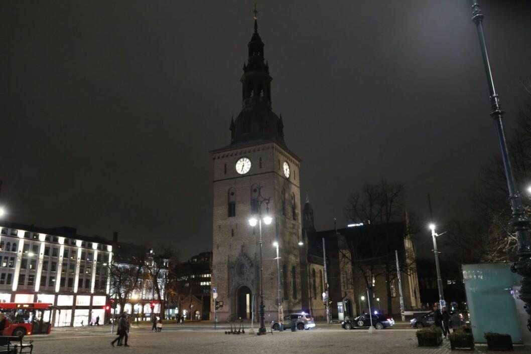 Bisettelsen til Ari Behn holdes i Oslo domkirke fredag 3. januar klokken 13. Foto: Terje Bendiksby / NTB scanpix