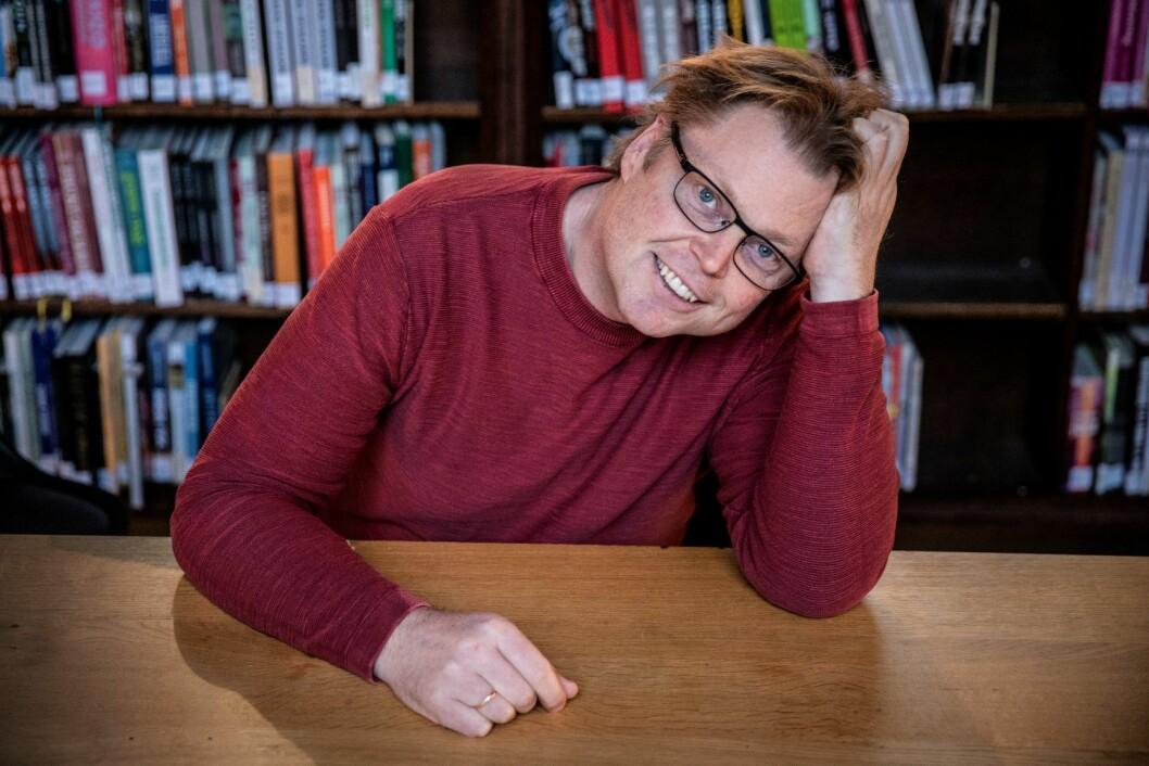 Jørn Lier Horst takker alle som låner bøkene hans. Foto: Erik Thallaug