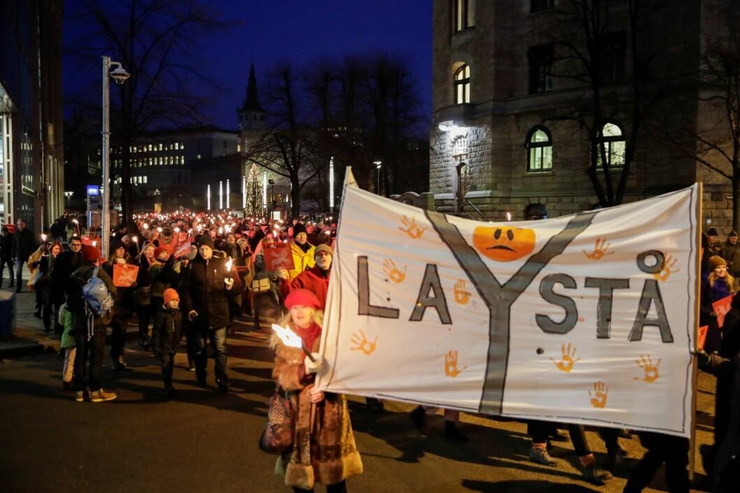 Støtteaksjon for å bevare Y-blokka demonstrerte torsdag i protest mot vedtaket om å rive bygningen i regjeringskvartalet. Foto: Vidar Ruud / NTB scanpix