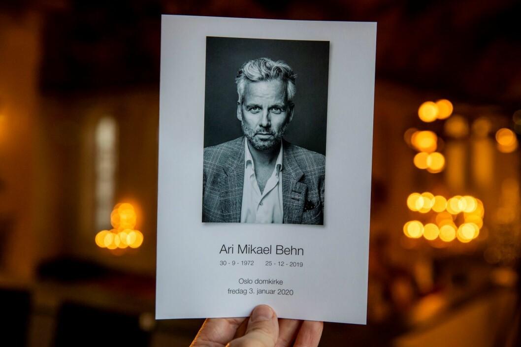 Ari Behns nære venn, fotograf, Per Heimly har tatt bildet på forsiden av programmet til bisettelsen av Ari Behn i Oslo domkirke. Foto: Håkon Mosvold Larsen / NTB scanpix