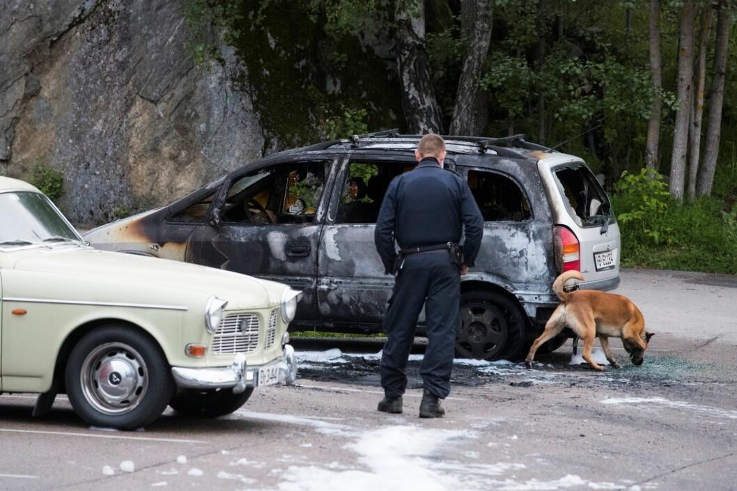 En bil brant på Vestli i natt. Politiet kjenner foreløpig ikke til årsaken. Her et bilde fra en tidligere tilfelle av bilbrann på Vestli. Foto: Håkon Mosvold Larsen / NTB scanpix