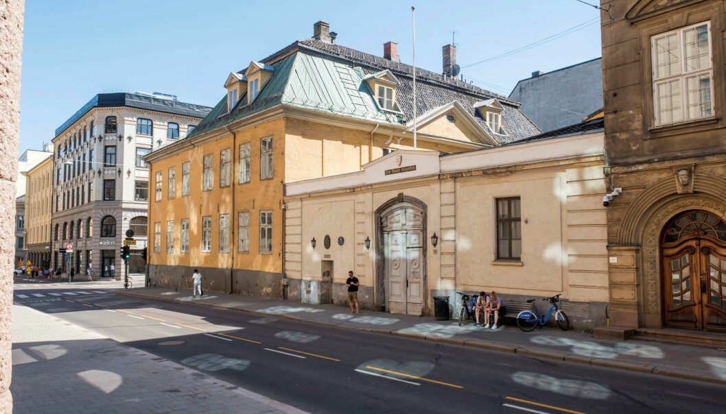 Den gamle krigsskolen i Tollbodgata 10 mangler år med rehabilitering.