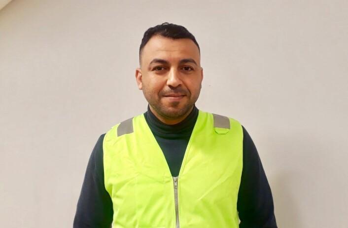 Ali Alameri er utdannet jurist men må leve som papirløs. Han bruker all tiden sin på å engasjere seg for å bedre flyktninger og papirløses livssituasjon. Foto: Emilie Pascale