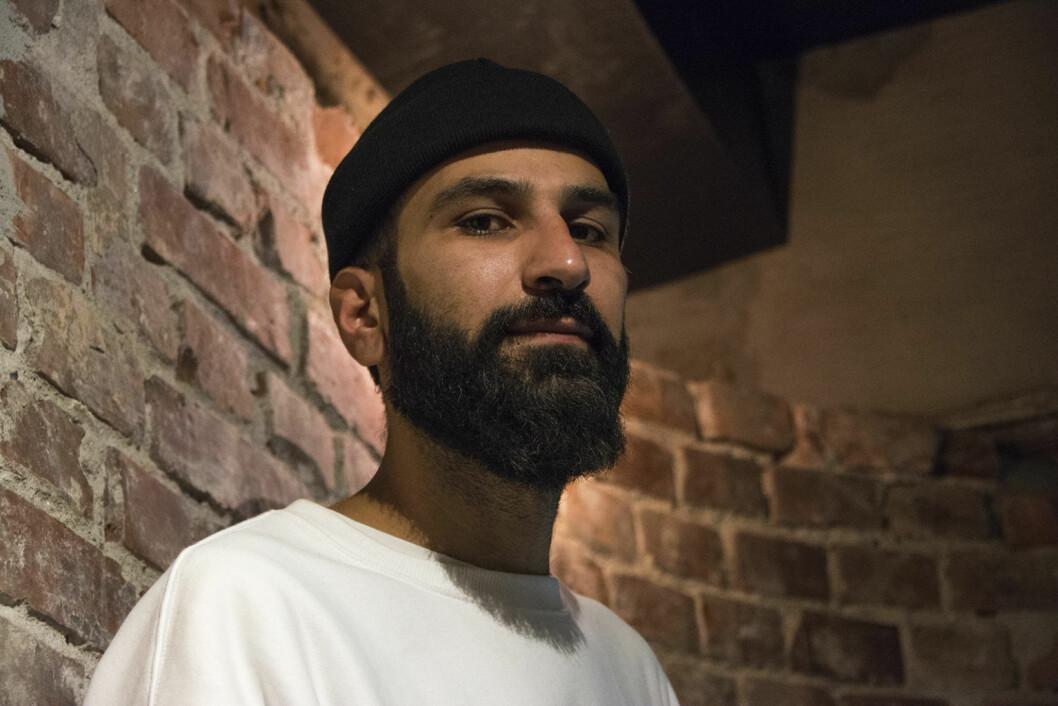Thee Yezen Al-Obaide får i kveld Zola-prisen for sin kamp for lesbiske, homofile, bifile og transpersoner med muslimsk bakgrunn. Foto: Morten Lauveng Jørgensen
