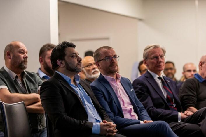 Fra venstre: Arshad Jamil; nestleder i moskeen, Senaid Kobilica; leder av Muslimsk dialognettverk og James Stove Lorentzen, i bystyret for Høyre.