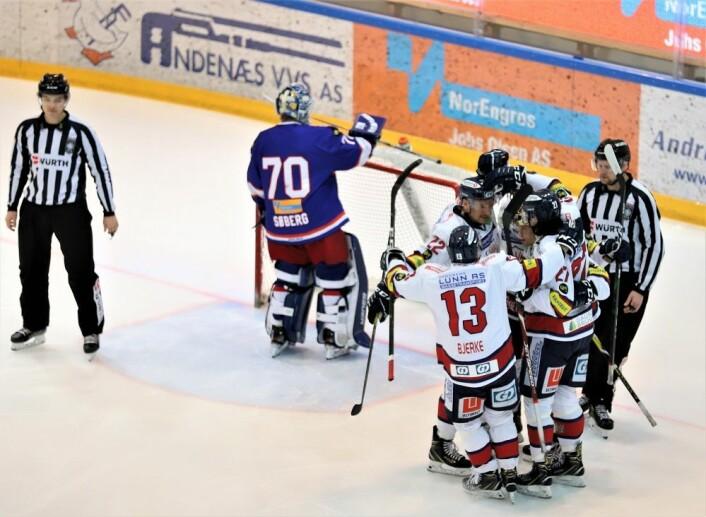 Lillehammer scoret allerede etter 67 sekunder av kampen. Foto: André Kjernsli