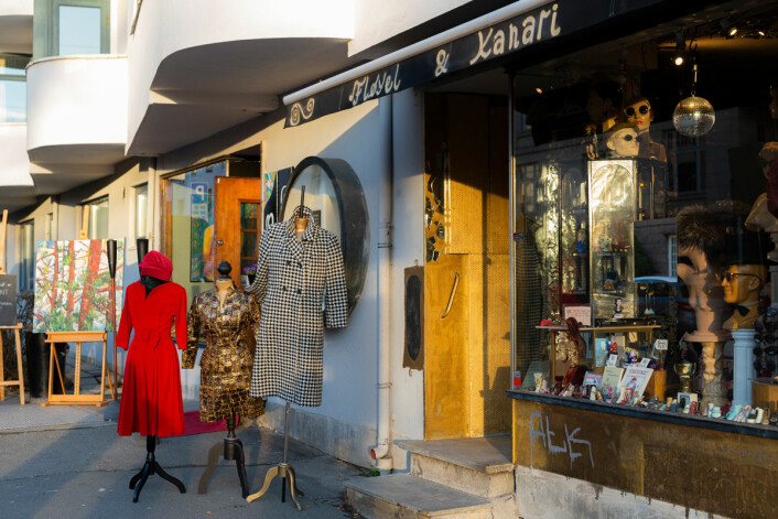 Den fargerike Vintage-butikken Fløyel ligger rett rundt hjørnet for Gimle kino. Foto: Morten Lauveng Jørgensen