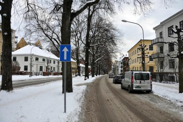 P-plasser for biler må vike når det anlegges sykkelvei i Gyldenløves gate. Foto: Arnsten Linstad