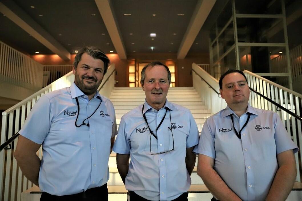 Arbeidsleder Morten Hauge, daglig leder Dugald Hultberg og møtevert Alf Jon Hansen fra Nyttig arbeid. Foto: André Kjernsli