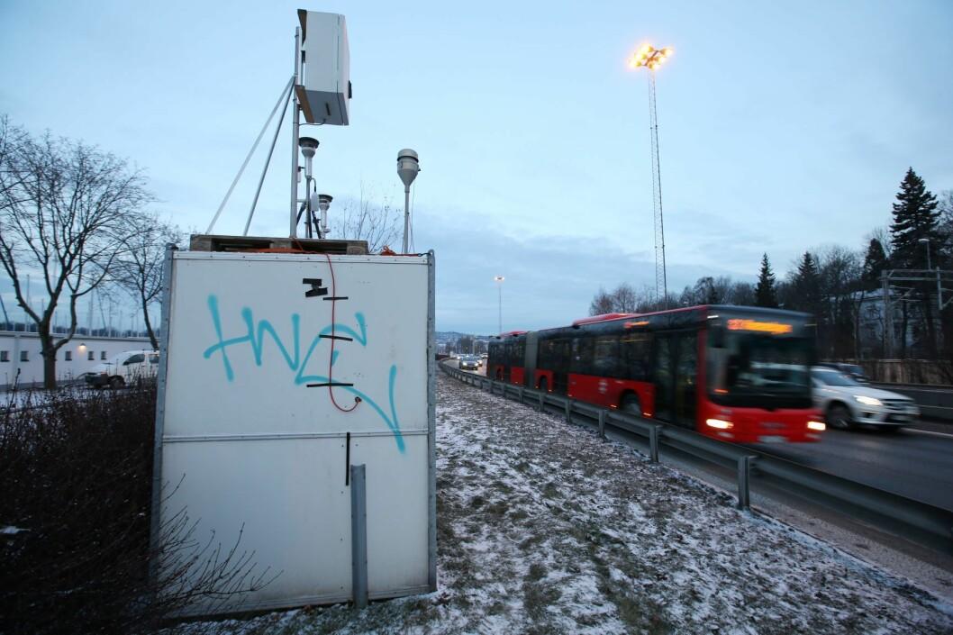 Målestasjon for luftkvalitet ved E-18 ved Hjortnes i Oslo. Foto: Erik Johansen / NTB scanpix