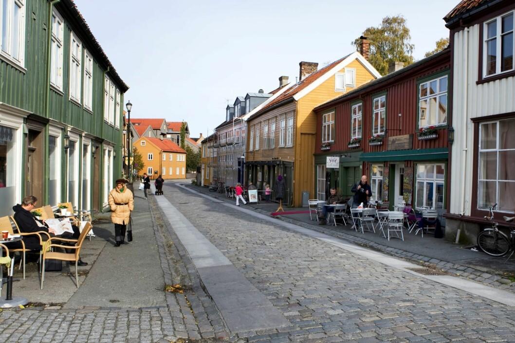 Bakklandet i Trondheim med steinheller og brostein. Foto: Gorm Kallestad / SCANPIX