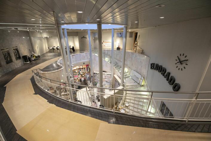 På vei opp i andre etasjen, som snart vil bli et e-gaming senter. Foto: Olav Helland