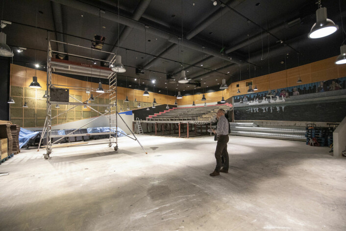 Helge Lunde presenterer landets nye gaminghub for spillinteresserte, tidligere Sal 1 på Eldorado kino. En av de siste filmene som ble vist var James Bond-filmen Skyfall. Foto: Olav Helland