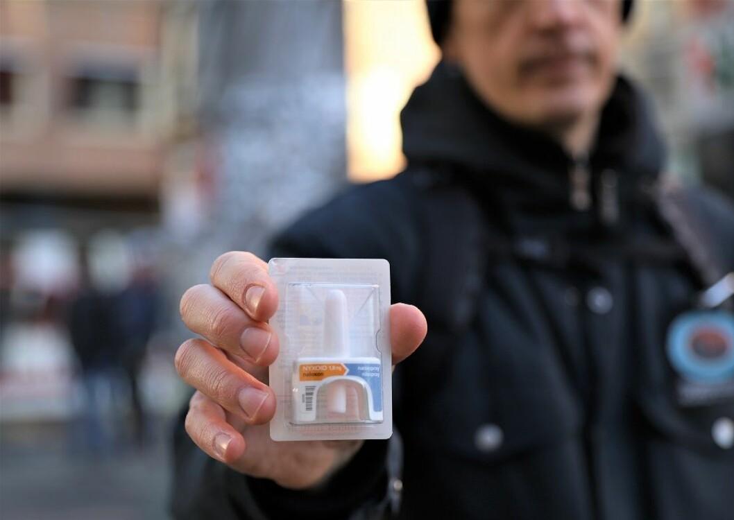 Sånn ser den ut - nesesprayen Nalokson som redder mange rusmisbrukeres liv hvert år. Foto: André Kjernsli