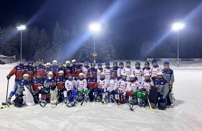 Norges bandyforbund samlet 33 spillere til treningsleir på Konnerud i romjula. Foto: Anine Ellefsen
