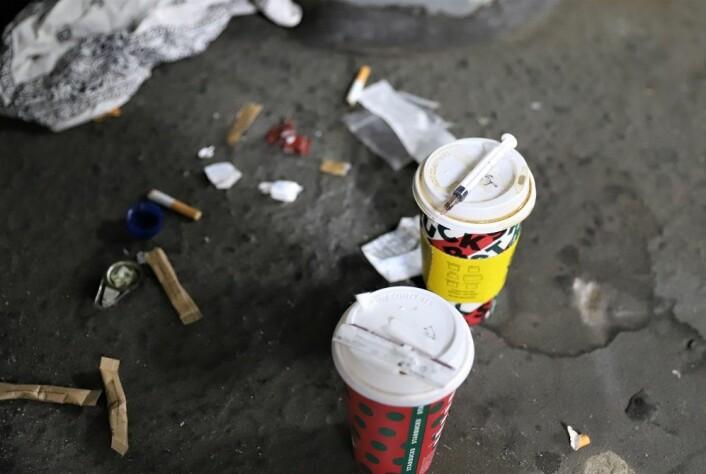Velger man røyking fremfor sprøyter minimeres risikoen for overdose markant. Mer renslig er det også. Foto: André Kjernsli