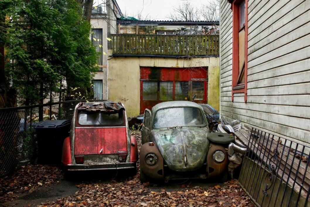 � Vårt største ønske er at noen tar ansvar. Men vi har gitt opp litt nå, sier nabo Fredrik Flem. Foto: Stig Jensen