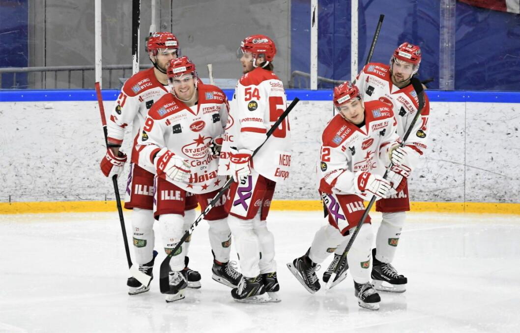 Stjernen-spillerne kjørte over Grüner i to perioder torsdag, og kunne til slutt reise hjem til Fredrikstad med en 9-2-seier i bagasjen. Foto: Christian Boger