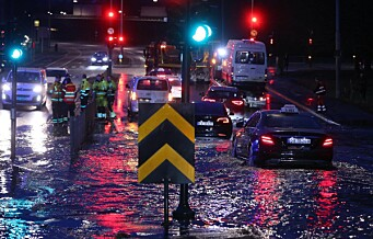 Vannlekkasje på Voldsløkka skaper store problemer. Ring 2 stengt mellom Sognsveien og Vogts gate
