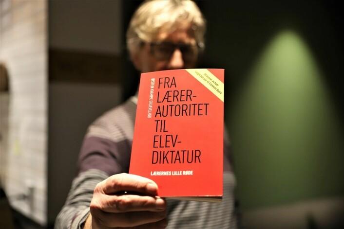 Forfatter og forlegger Øystein Kvamme Skjæveland, bak denne boken, gir 50 kr av hver solgte bok til Clemens Saers og hans kamp. Foto: André Kjernsli