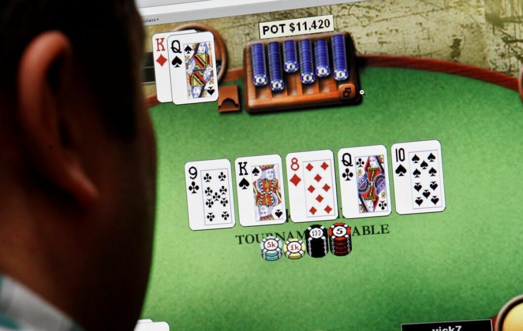 I drøyt tre år skal 53-åringen ha arrangert pokerspill i Brugata, mener påtalemyndigheten.  Foto: Erlend Aas / Scanpix