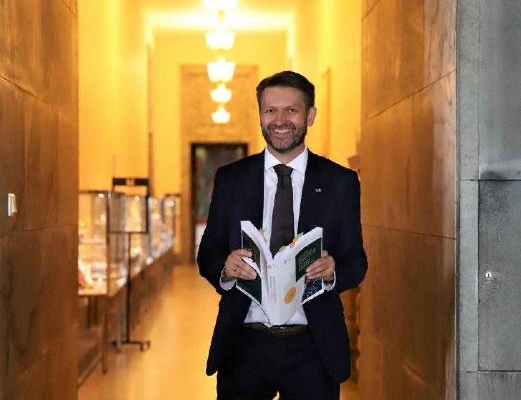 Eirik Lae Solberg (H) fortsetter som bystyremedlem og nestleder i Oslo Høyre, men er ferdig med politikk på heltid. Foto: André Kjernsli