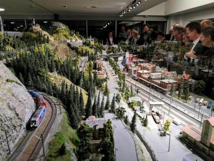 Modelljernbanen vil bli kjørt på bestemte tidspunkt, og informasjon om når man kan oppleve denne magiske miniatyrverdenen finnes på museets nett- og Facebooksider. Foto: Teknisk museum